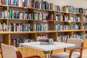 Noordhoek Manor; Library
